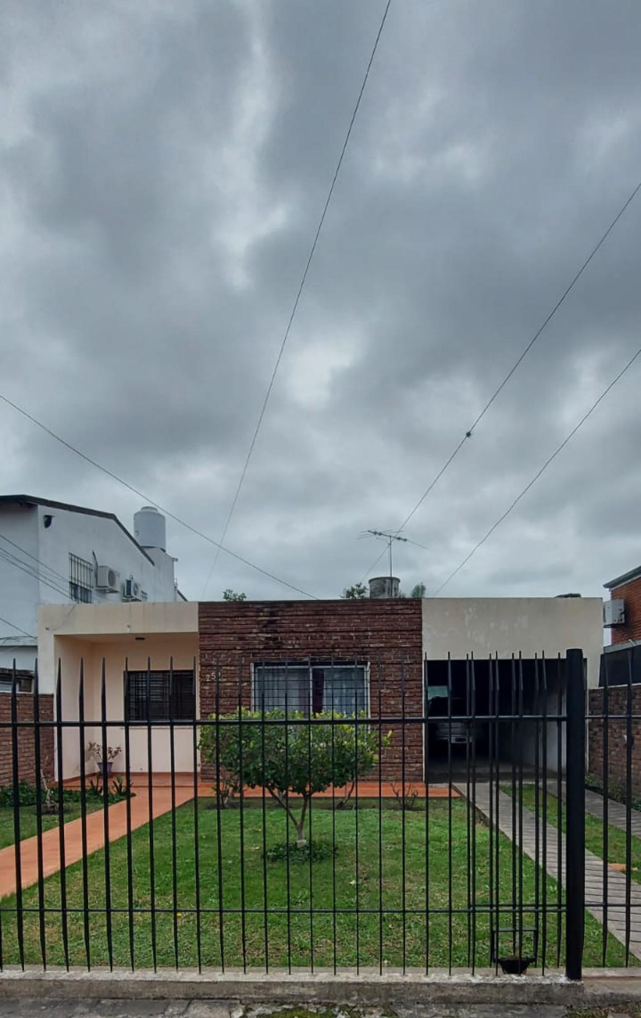 Casa con Departamento Monoambiente en Muñiz