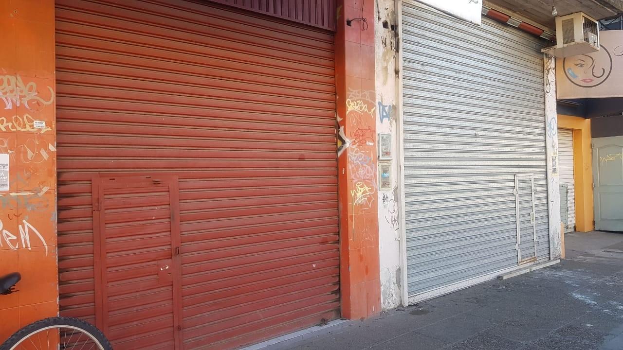 Local en alquiler  Irigoin 1376  Entre Alem y Presidente Peron